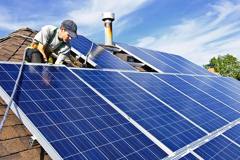 Gemeente Zevenaar waarschuwt voor aanbieders zonnepanelen