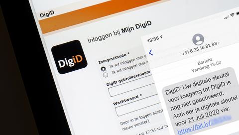 Oplichters sturen zeer gevaarlijke sms-berichten namens 'DigiD' om je bankrekening te plunderen