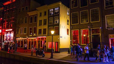 Politie Amsterdam: 'Asielzoekers leveren significante bijdrage aan misdaad in binnenstad'