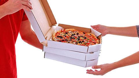 Pizzabezorger betrapt klant op betalen met vals geld