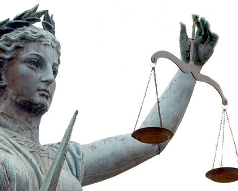 Vier jaar cel geëist voor toeslagenfraude