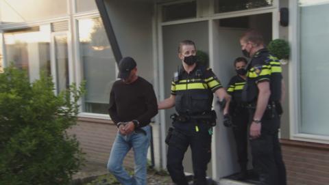 Exclusieve arrestaties bij Opgelicht?!: Politie arresteert Suat Y. (38) van Ringdong.nl én klusjesman Nicky H. (29) uit Waalwijk