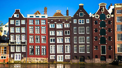 Gemeente Amsterdam mogelijk gedupeerd door aannemers