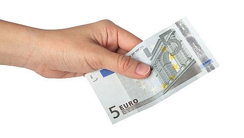 Babbeltruc: 'vijf euro laten vallen'