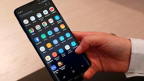 Drietal aangehouden voor verkoop neptelefoons