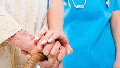 'Thuiszorgmedewerkers' bestelen ouderen in Schiedam
