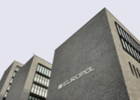 Europol neemt domeinnamen malafide webshops in beslag