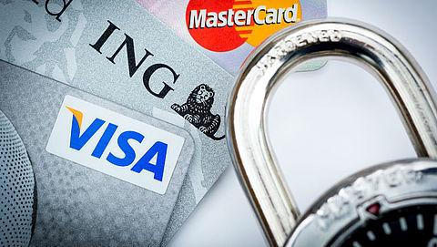 Medewerker creditcardmaatschappij stal van overleden personen