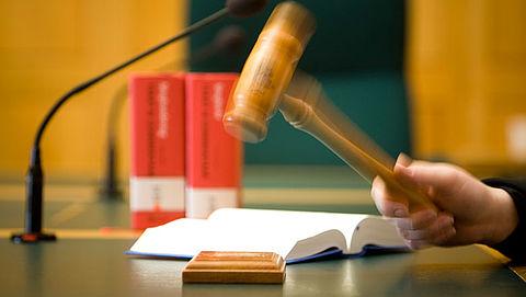 Oplichter NS en uitgeverijen krijgt dertig maanden cel