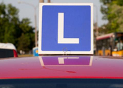 Honderden Fransen halen rijbewijs zonder examen te doen