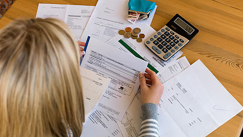 Failliete deurwaarder lichtte schuldenaars op