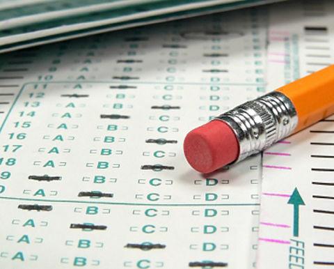 Man fraudeert tijdens theorie-examen