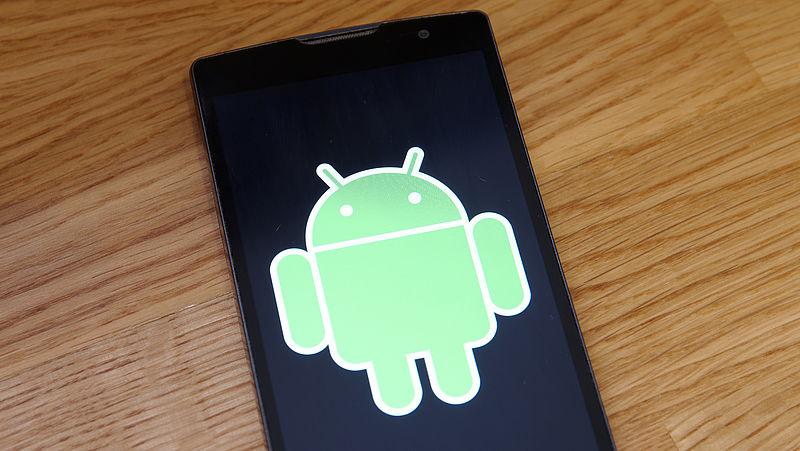 'Bloatware op Android-telefoons maakt misbruik van gebruikers en hun privacy'