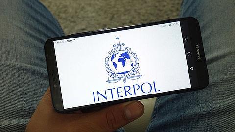 Interpol keert zich tegen end-to-end encryptie en eist backdoor van techbedrijven