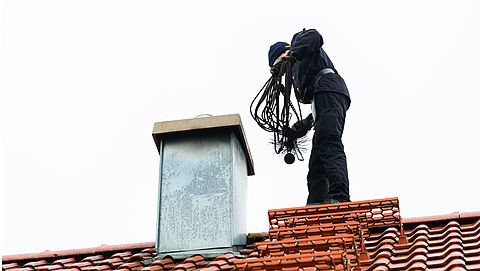 Veel klachten over malafide schoorsteenvegers