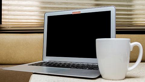 Voorkom dat hackers je begluren: plak je webcam af