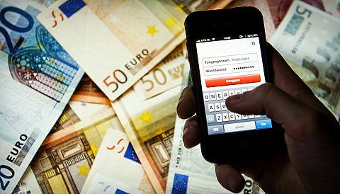 Politie waarschuwt voor oplichting met valse bank-apps