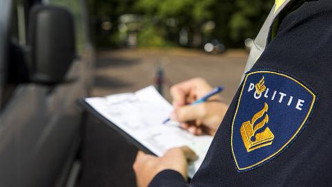 Pas op voor nepagenten in oud politie-uniform