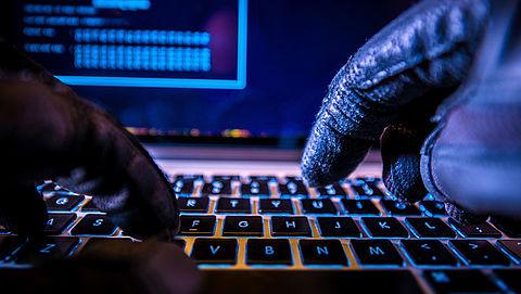 Vier jaar cel voor hacker die tonnen buitmaakte met vervalste facturen