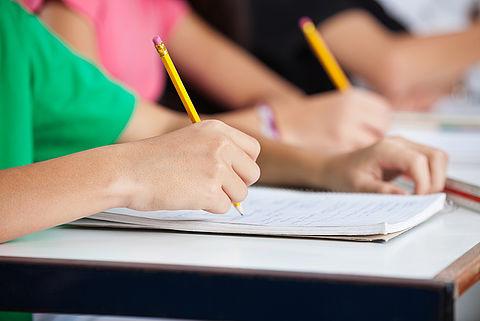 Zusjes plegen examenfraude