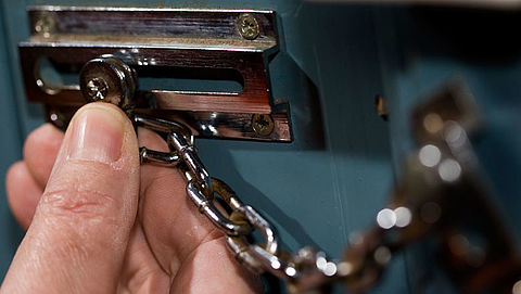 Politie Hengelo waarschuwt voor 'babbeltruc-meisje'