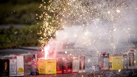 Politie speurt illegale vuurwerkhandel op via Instagram