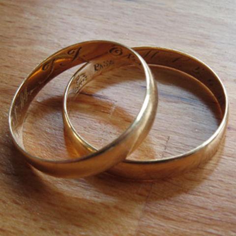 Oplichting in Parijs: trouwring kwijt?