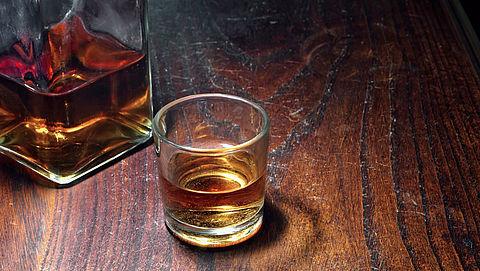 Chinese miljonair betaalt ruim 8600 euro voor glas nepwhisky