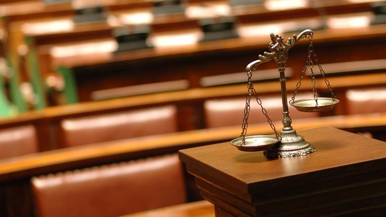 Ex-boekhouder met 'paranormale gaven' veroordeeld tot voorwaardelijke celstraf en boete