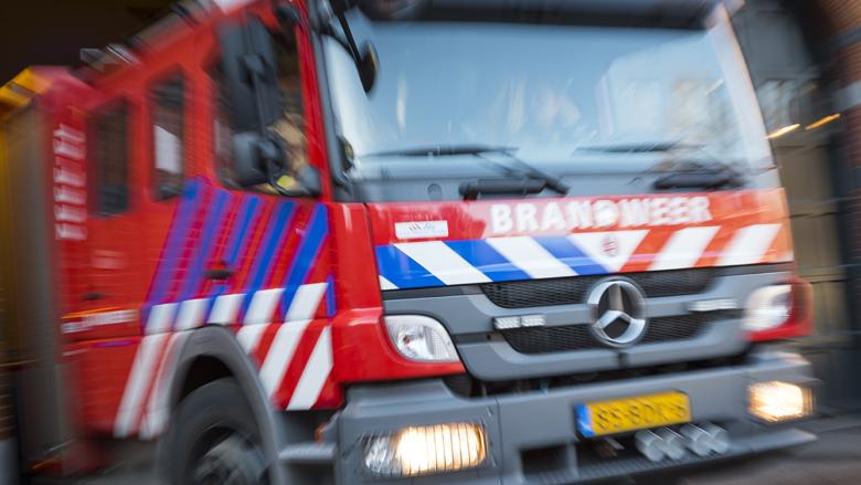Brandweer takelt veroordeelde oplichtster uit woning