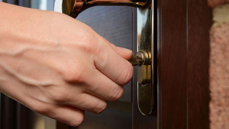 '90 procent ouderen laat deur dicht ter voorkoming van babbeltruc'