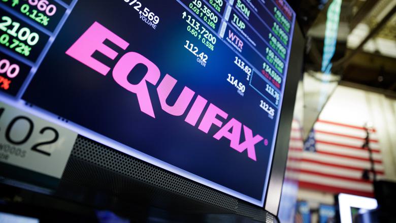 Topman Equifax weg na grote hackaanval