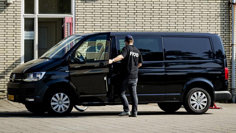 FIOD verricht twee aanhoudingen wegens babbeltruc 'Belastingdienst'