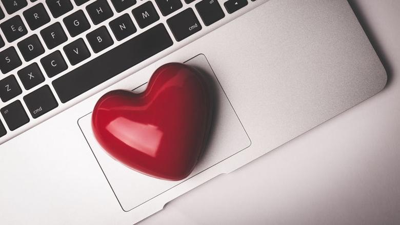 Vrouw moet één miljoen euro terugbetalen vanwege internetliefde