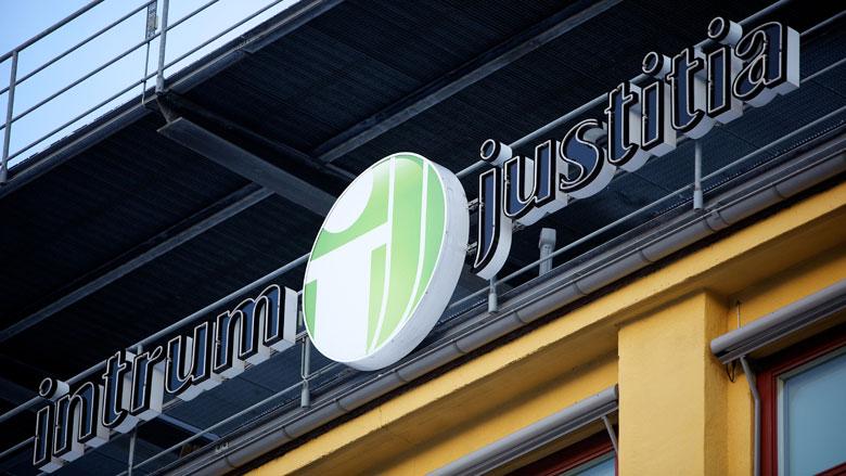 Opgelet: nepmedewerker 'Intrum Justitia' langs de deuren