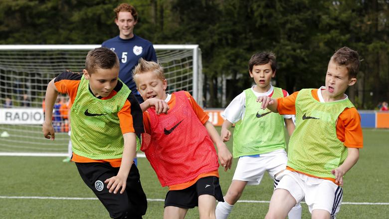 Malafide voetbalmakelaar dupeert jonge voetballers