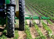 Serie-oplichter met landbouwmachines opgepakt