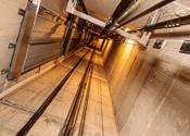 Van oplichting verdachte Duitser duwt getuige in liftschacht