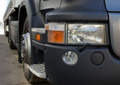 Medewerker achtervolgt auto-oplichters