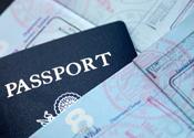 Verdachte fraudezaak ontsnapt door dubbel paspoort