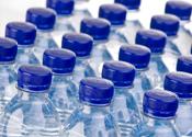 Brit betaalt bijna 900 euro voor flesjes water