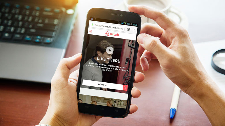 Airbnb-fraude: Engelsman werd met illegale zeecontainer afgescheept