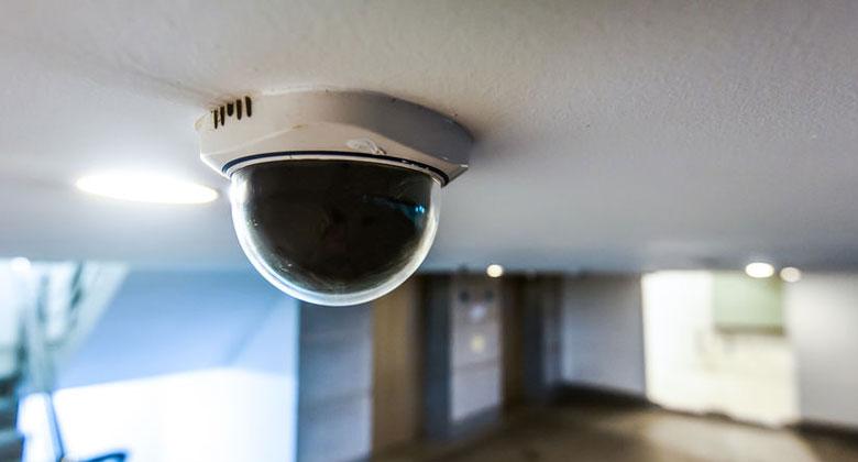 'Met internet verbonden beveiligingscamera's niet altijd goed beschermd'