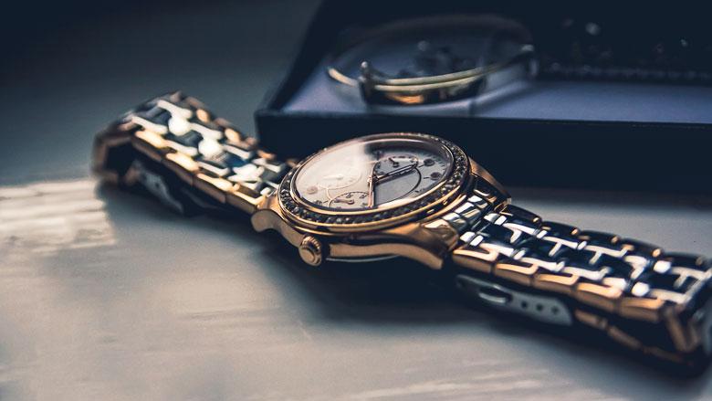 Politie doet in drie landen huiszoekingen om dure horloges