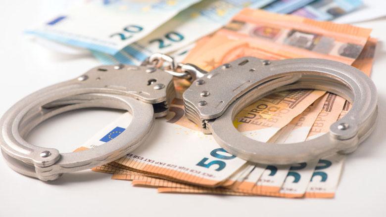 Politie neemt tonnen in beslag van witwas-duo