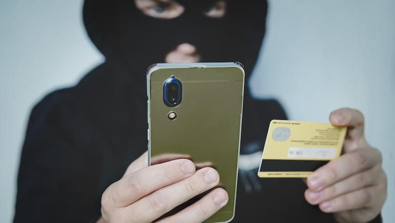 Appje gekregen van een 'bankmedewerker' wegens verdachte activiteit? Ga er niet op in!