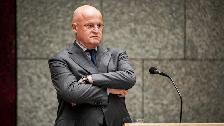 Minister Grapperhaus: 'Geef justitie toegang tot versleutelde chats'