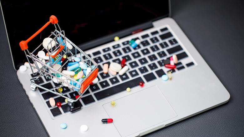 Inspectie heeft moeite met aanpak illegale opiatenhandel op internet