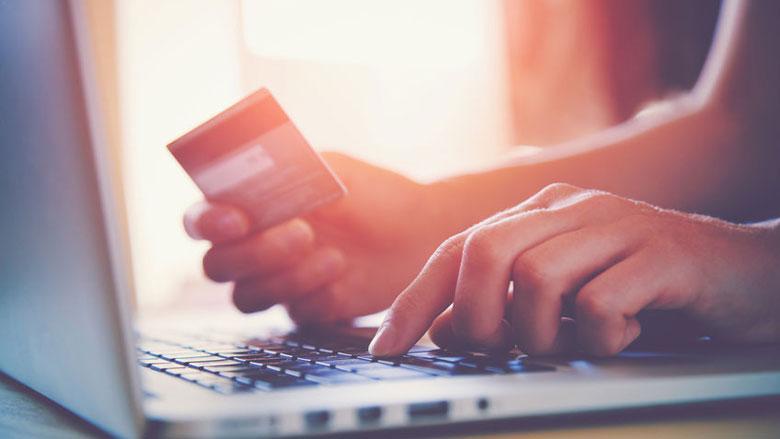 Politie sluit ruim 200 foute webwinkels