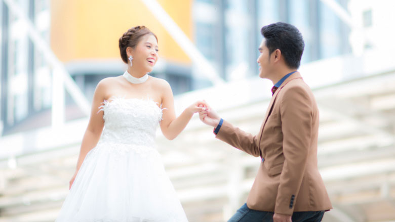 Thaise 'miljonair' laat bruid achter met huwelijksrekening